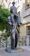 170px-Kafka_statue_Prague